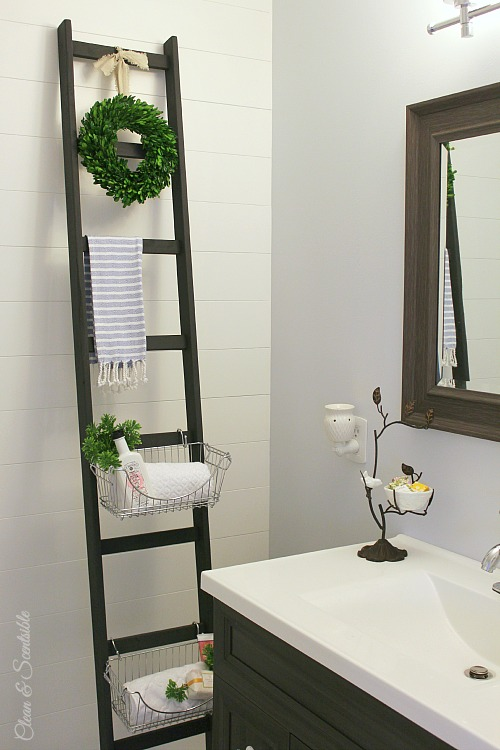 Stunning Love the look of this DIY ladder Such a great way to add some extra